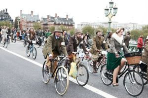 tweed-run-2012161